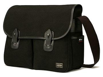 Nikon x PORTERのバッグ
